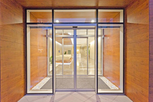 photo_automatic-door-geze021