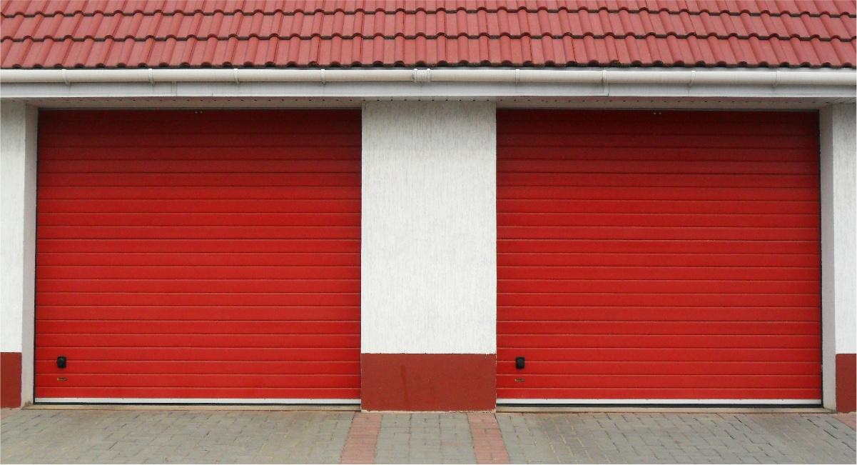 Ворота гаражные автоматические красные