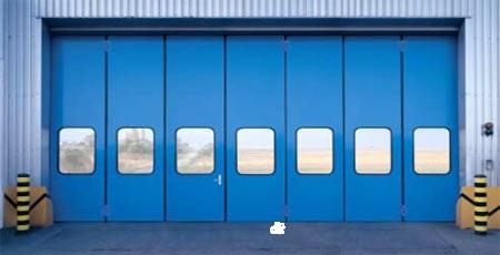 Голубые остеклённые ворота промышленного назначения