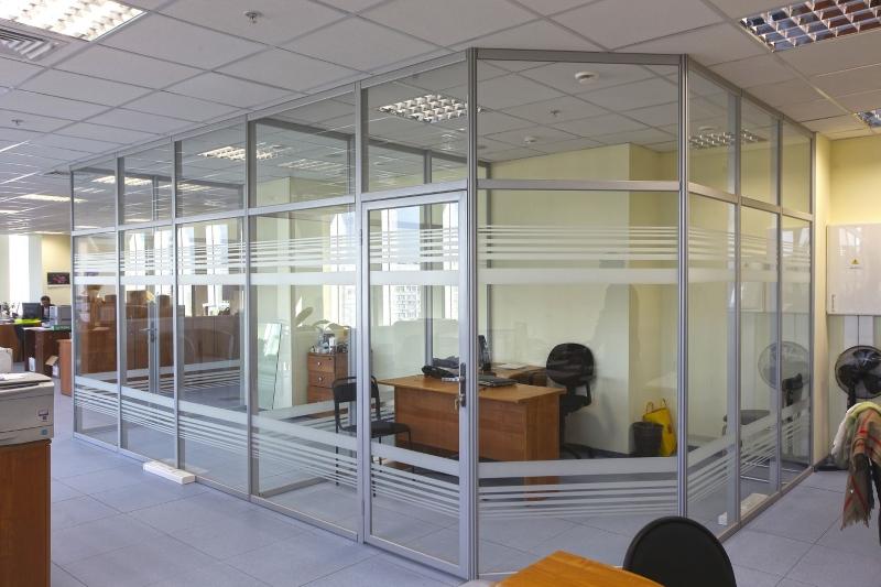 Алюминиевые перегородки со стеклом для кабинета директора