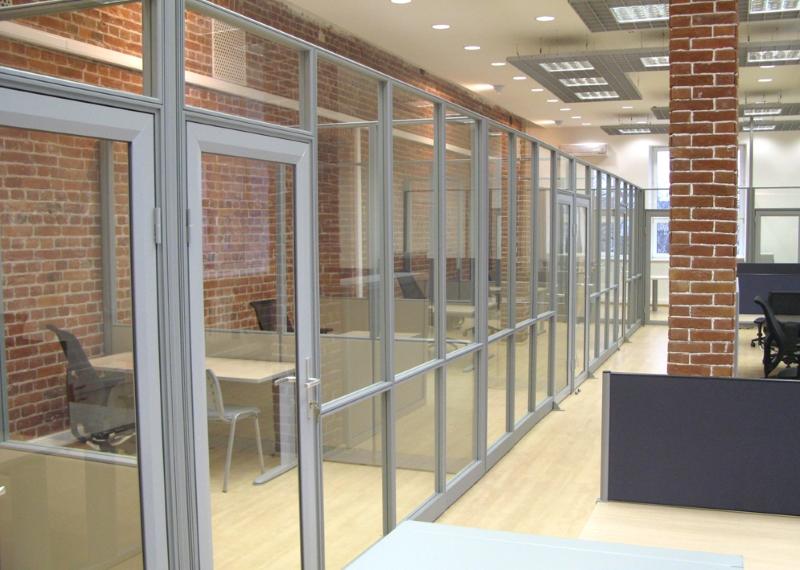 Алюминиевые перегородки для офиса со стеклом