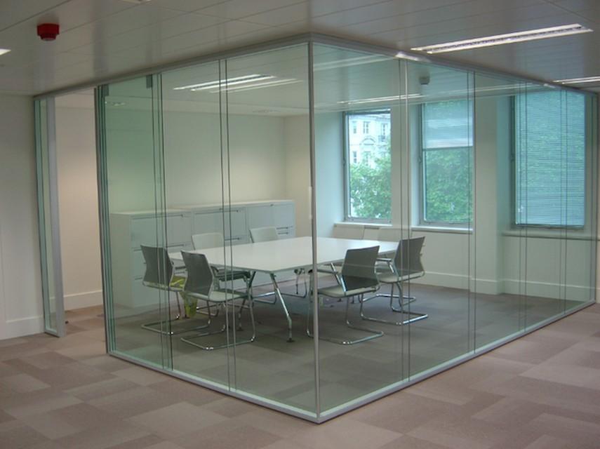 Прозрачные перегородки для кабинета