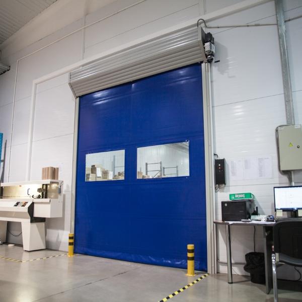 Скоростные ворота в производственное помещение