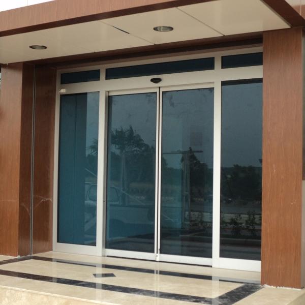 Раздвижные автоматические двери Doorhan в отеле
