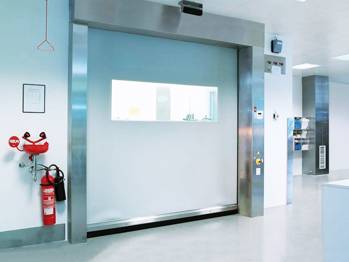 Скоростные холодильные ворота с прозрачной вставкой