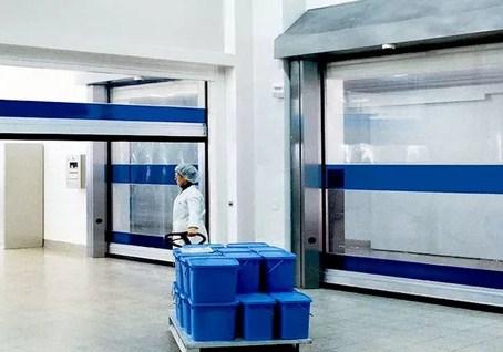 Скоростные ворота для фармацевтической лаборатории