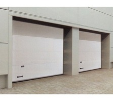 Секционные гаражные ворота с приводом FAAC