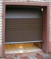 Подъёмные ворота с приводом FAAC для гаража