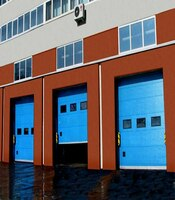 Промышленные секционные ворота с приводом Doorhan