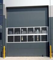 Промышленные секционные ворота с приводом Doorhan для автосервиса