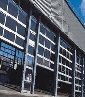 Панорамные промышленные ворота с приводом Doorhan