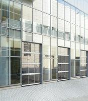 Промышленные ворота с приводом Doorhan панорамные