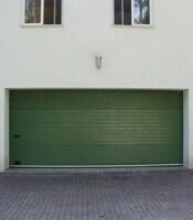 Секционные ворота гаражные с приводом Doorhan