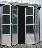 Скоростные складывающиеся ворота с приводом Doorhan