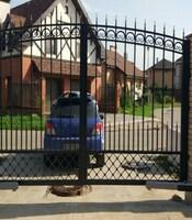 Распашные ворота с пиками с приводом Came