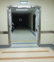 Распашные двери для предприятия с приводом Doorhan